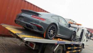 Porsche 911 Turbo S xám lông chuột đầu tiên về Việt Nam trong năm 2018