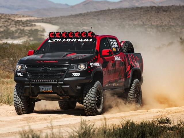 Phiên bản đặc biệt của Chevrolet Colorado ZR2 tranh tài trong giải đua off-road Reno